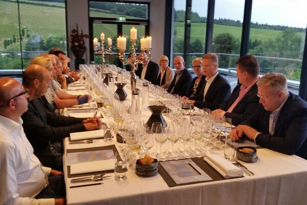 SANSIBAR EXCLUSIVE WINE CLUB at Weingut Robert Weil