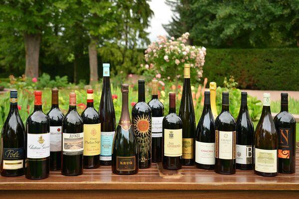 International wine luminaries come together at Weingut Robert Weil!